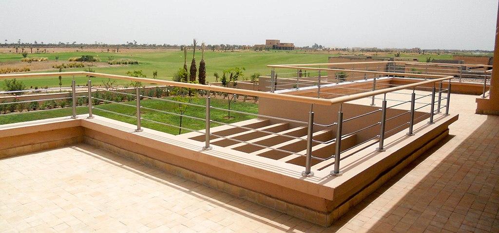 balustrade 3 barres sur terrasse