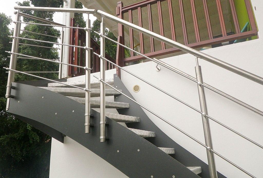Garde corps escalier ext rieur pictures to pin on pinterest for Petit escalier exterieur