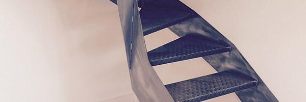 marches en métal pour escalier