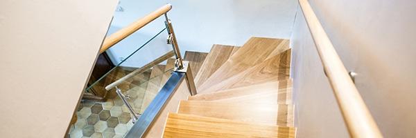 Rampe d'escalier en verre