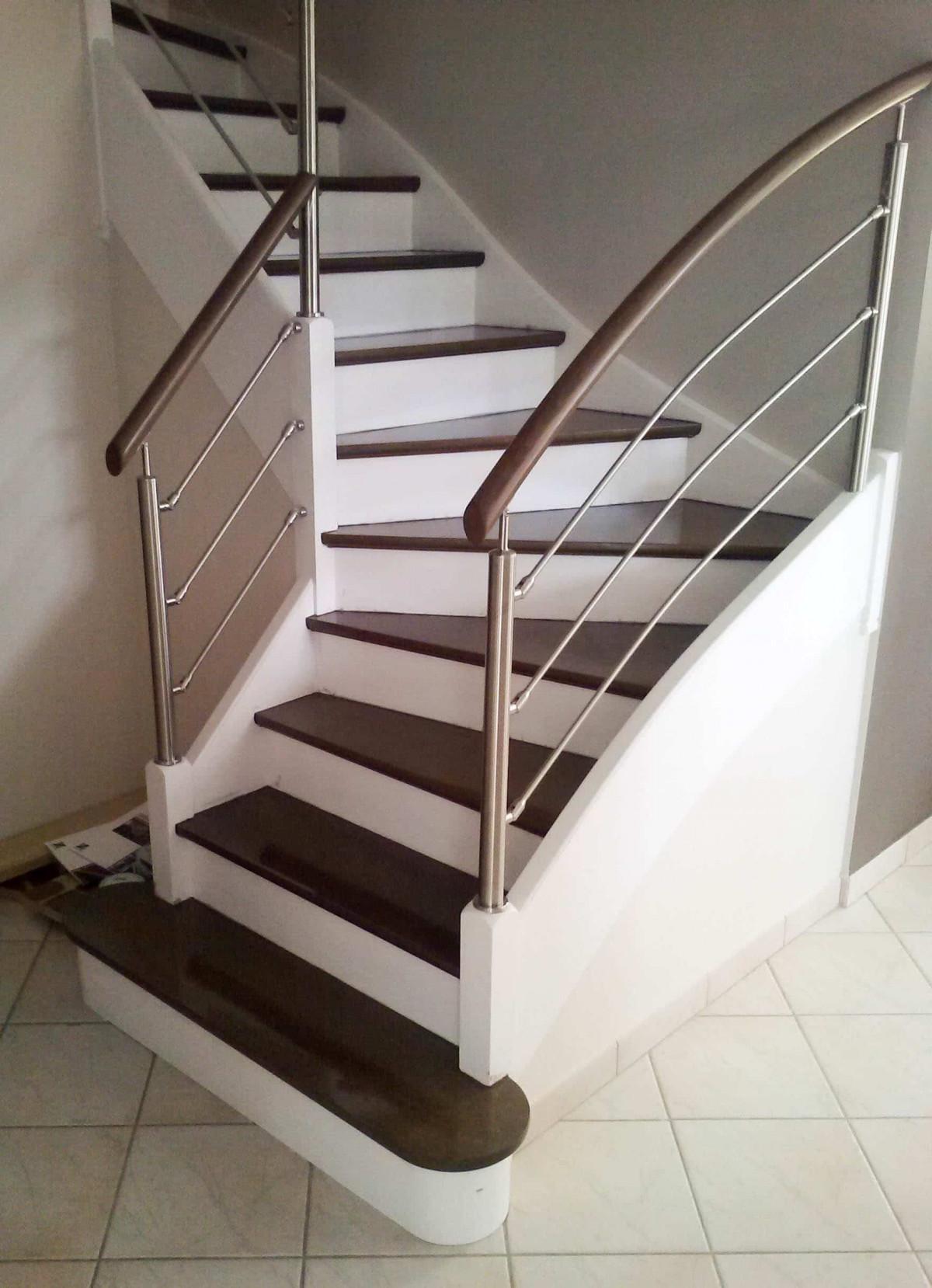 Avant apr s escalier et sa rambarde sur mesure par divinox - Changer rampe escalier en bois ...