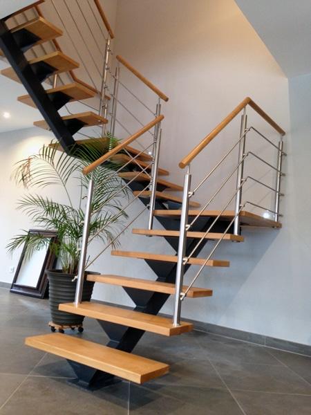 Escalier en bois limon central divinox