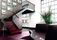 Escalier metallique main courante en bois