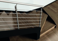 escalier metallique, marche en bois