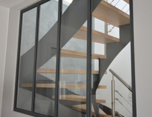 une verri re comme paroi de douche. Black Bedroom Furniture Sets. Home Design Ideas