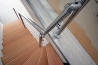 garde corps barre et verre escalier