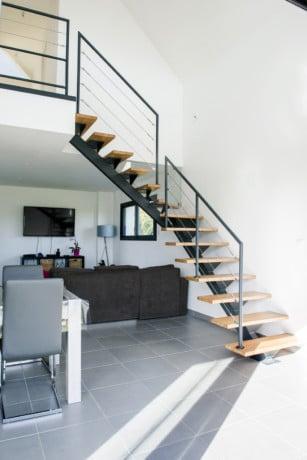 Escalier metal et rambarde en acier