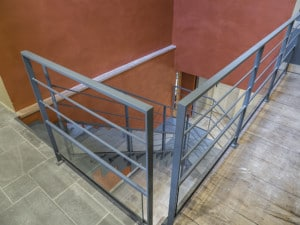 Garde-corps acier sousbassement verre