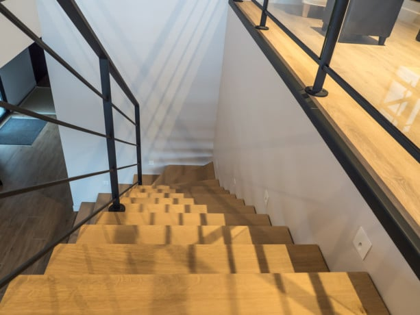 Escalier métal et garde-corps à lisse