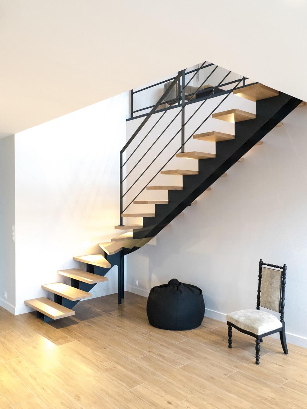 Escalier design sur mesure en normandie toutes nos for Marche escalier bois sur mesure