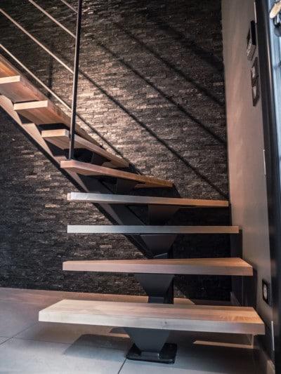escalier-limon-central-acier