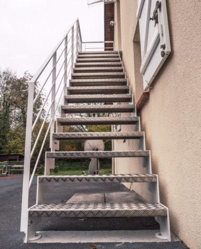 Escalier design sur mesure en normandie toutes nos for Escalier exterieur metal