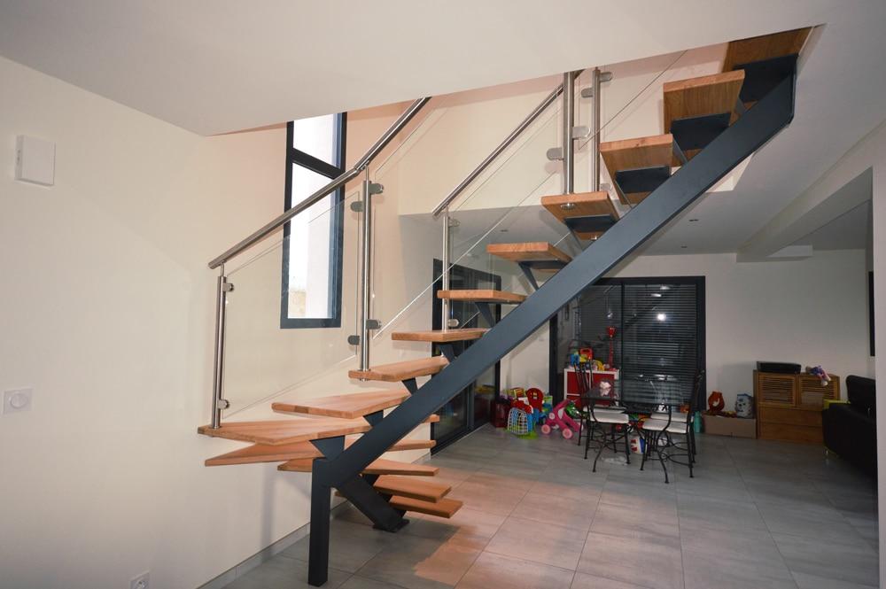 escalier vue d'en bas