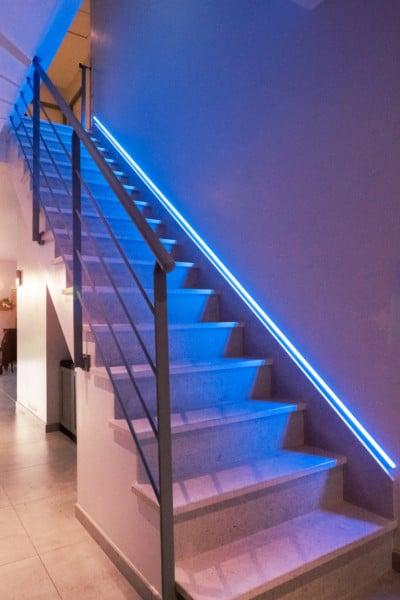 garde-corps-acier-escalier-LED