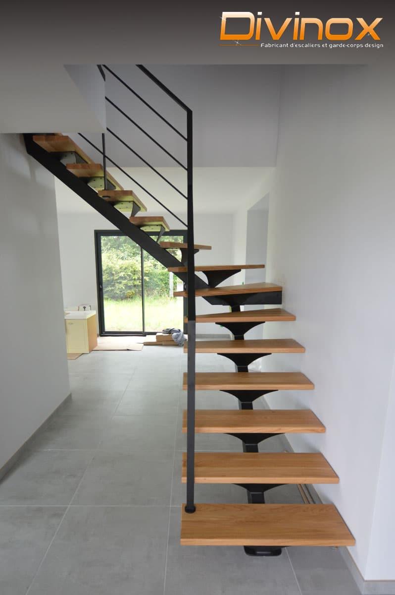 escalier un quart tournant avec rampant acier
