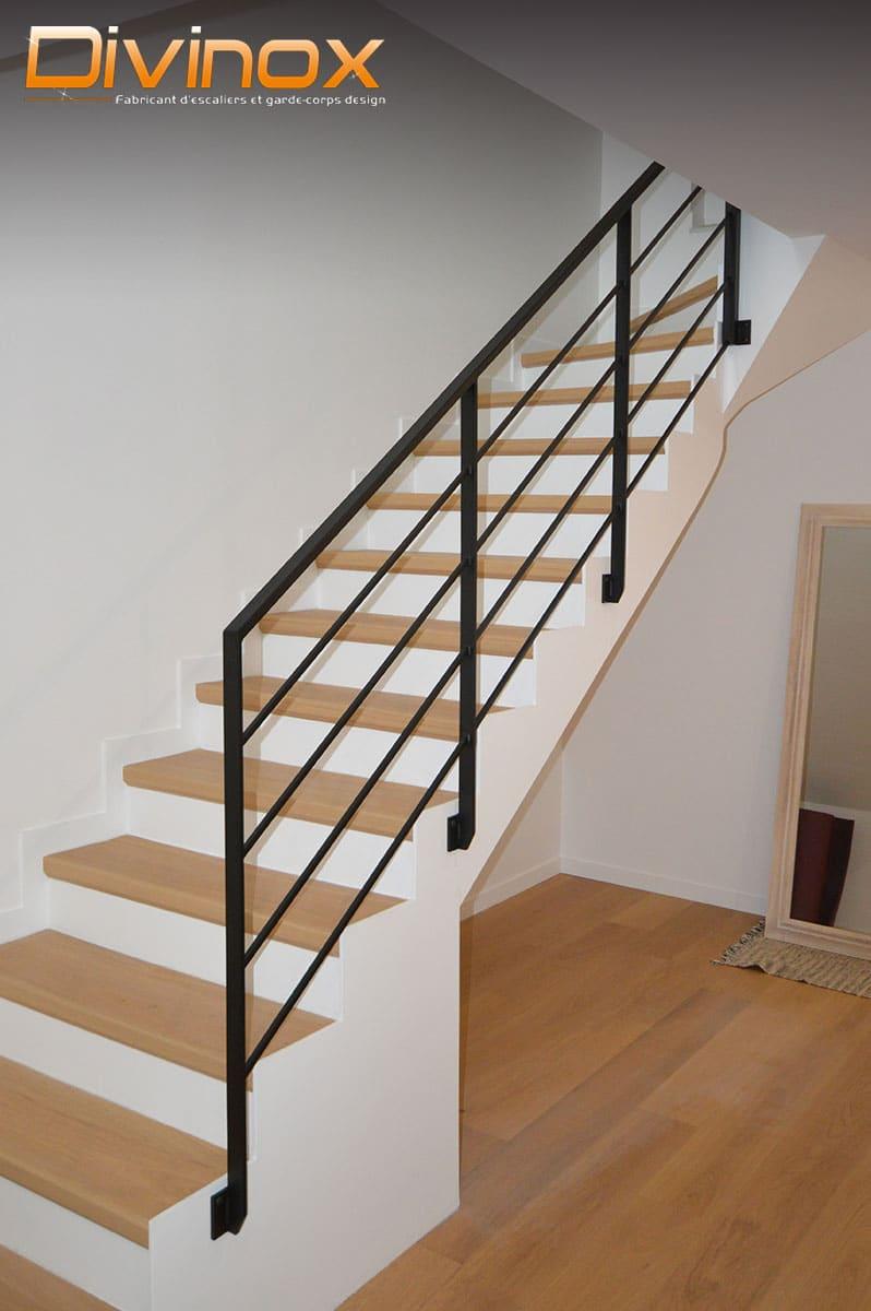 Garde-corps acier sur escalier